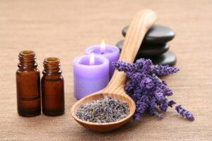 de overgang en reukvermogen, lavendelkaarsen en lavendel bloemen