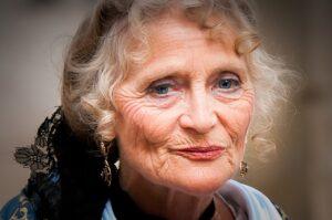 Opvliegers in de overgang, begrip van oudere vrouwen